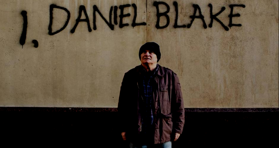 Daniel Blake in front of the job center