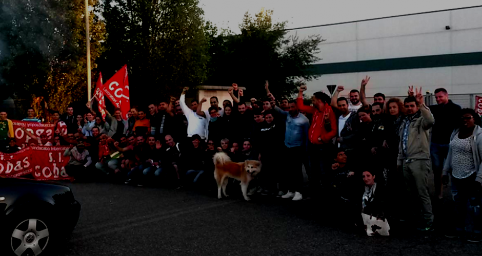 Approximately 50 striking H&M workers in front of the warehouse in Casalpusterlegno, Lombardy